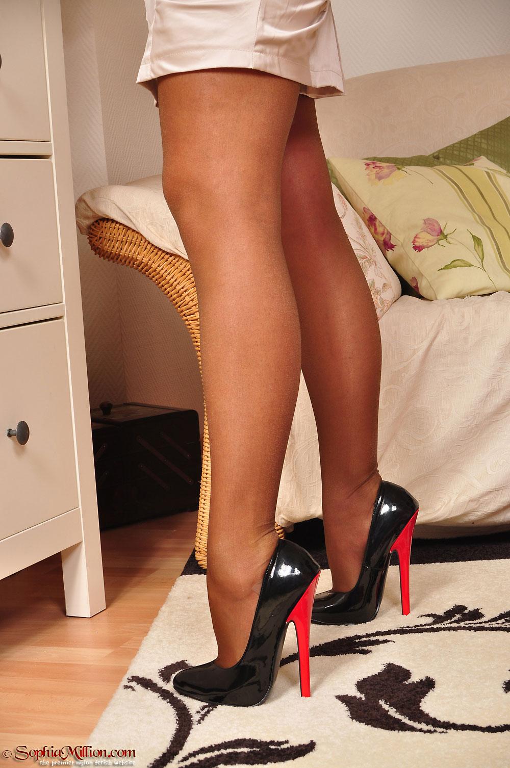 Sophia Mature Feet Nylon