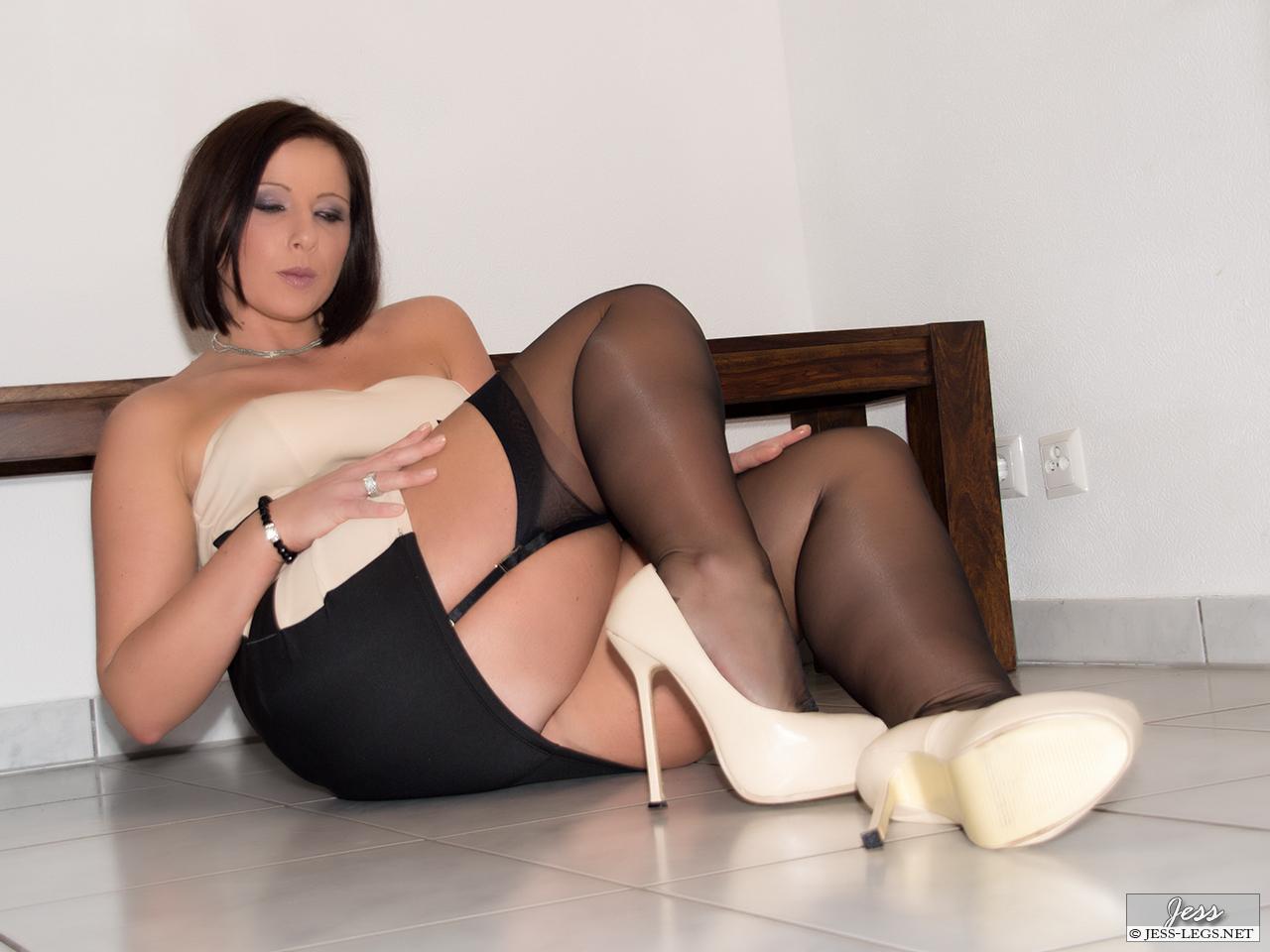 Amber hahn foot fetish video 5